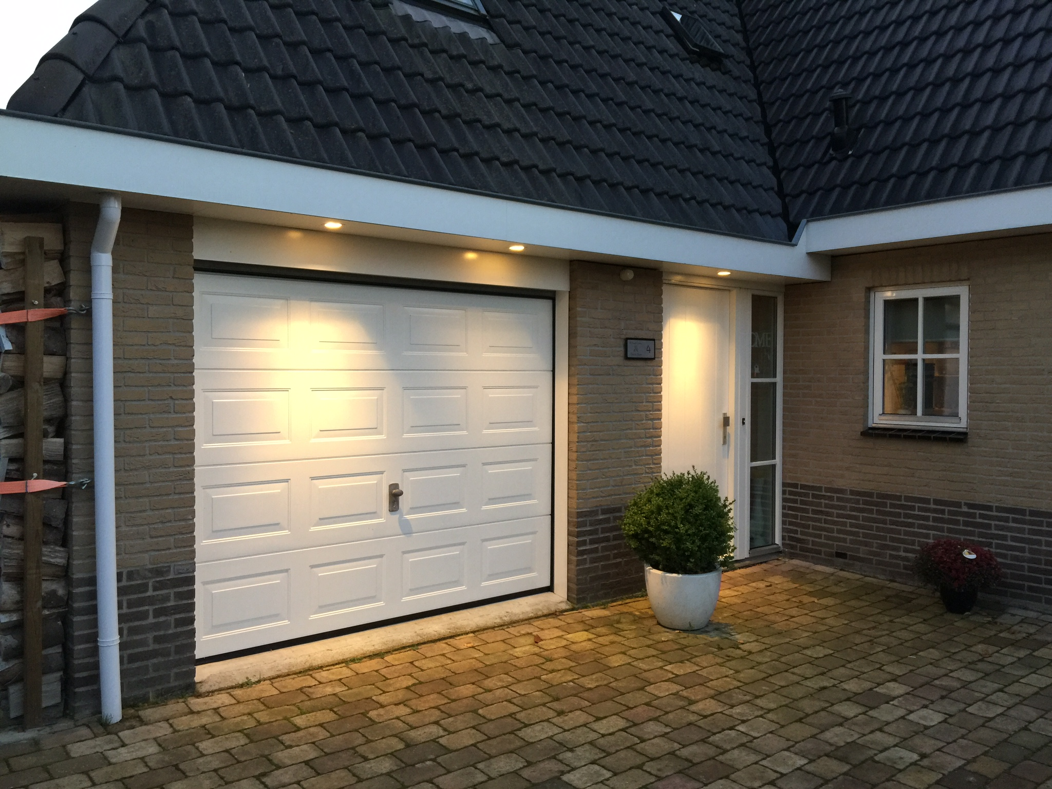 Verlichting Voor Garage : Garage opslag ruimte te huur aangeboden in enschede buurtlink